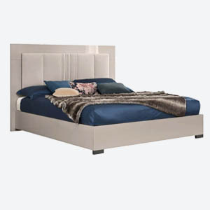 Claire Bed