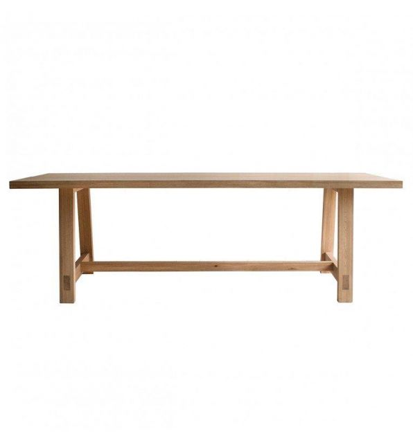 Pavilion Chic Dining Table Saratov in Solid Oak