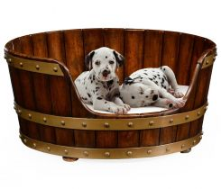 Jonathan Charles Small Dog Bed in Irish Peat Bucket Style